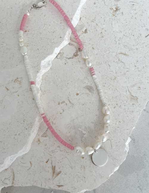 bright colour short necklace